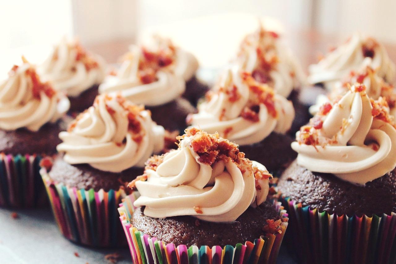 cupcakes-690040_1280