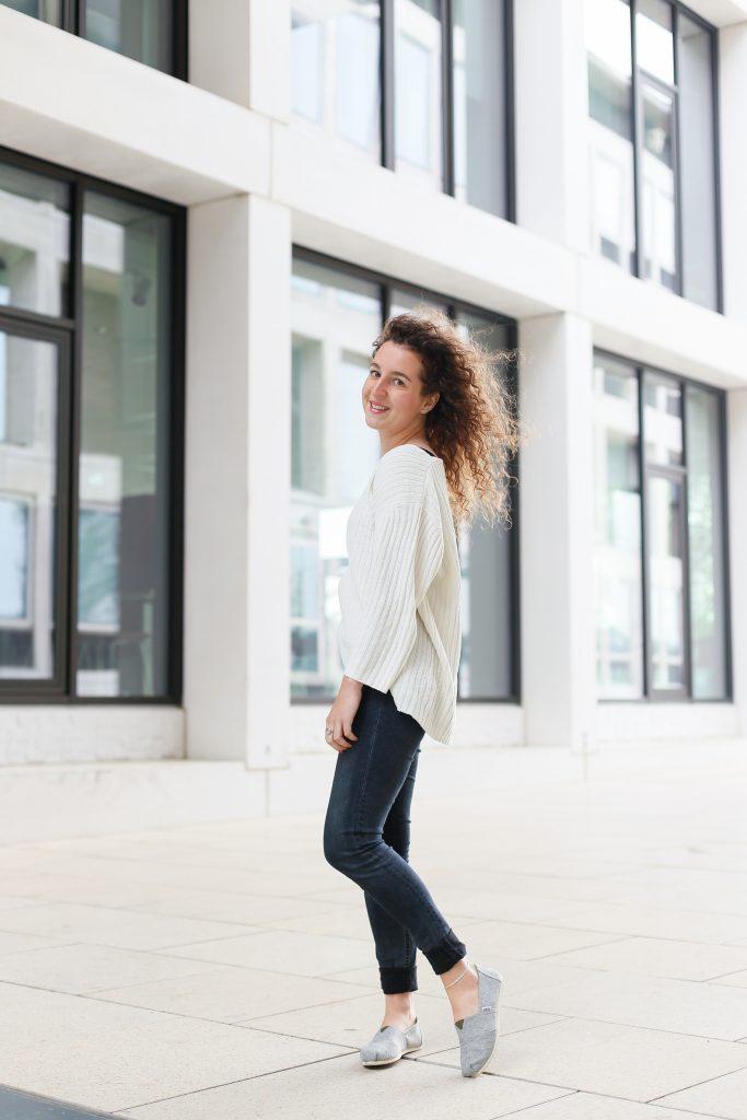 Fair fashion outfit met favoriete witte trui